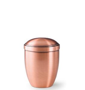Klassische Urnen aus Kupfer oder Messing